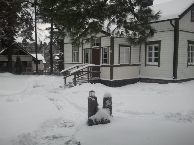 Kretsgången i vacker vinterskrud.