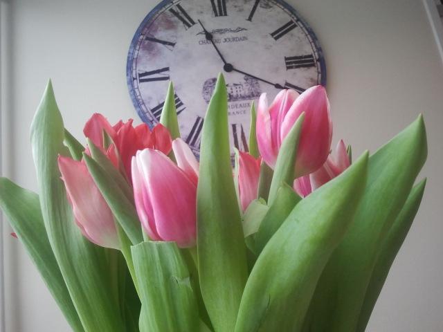 Klockan tickar mot sommaren och våren.