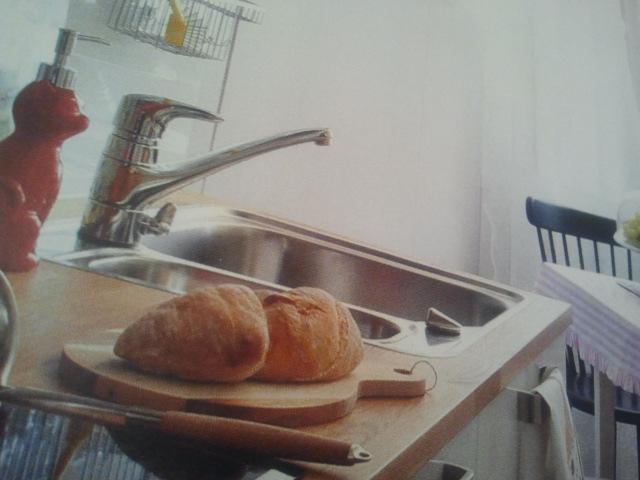 Unelmien Talo ja Keittiö-tidningen fick mig att komma i håg att jag inte bakat bröd på ett tag.