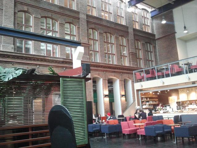 Finlaysons textilfabrik fanns en gång i Tammerfors. Nu har byggnaderna förvandlats bland annat till köpcenter. Snyggt renoverat tycker jag. Helheten omfattar bland annat också bryggerirestaurangen Plevna (syns dock inte på bilden).