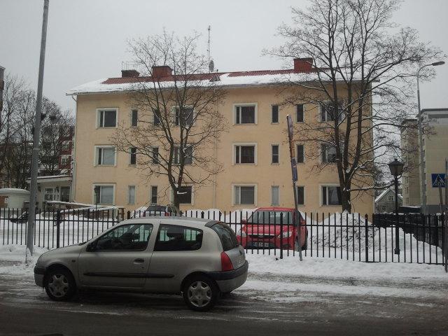 Och så här såg Hotel Homeland ut. Vi tror att det någon gång har varit ett vanligt bostadshus, men att det renoverats till lägenhetshotell.