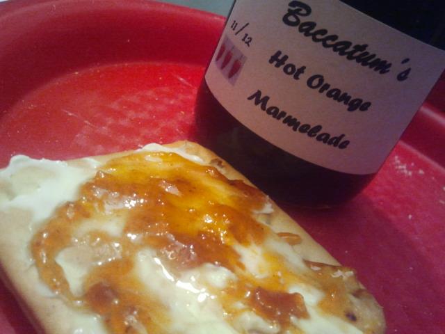 Baccatum´s Hot Orange Marmelade spetsad med chili är mums!