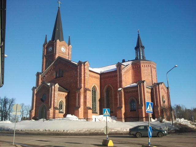 Lovisa kyrka, visst är den ståtlig och fin.