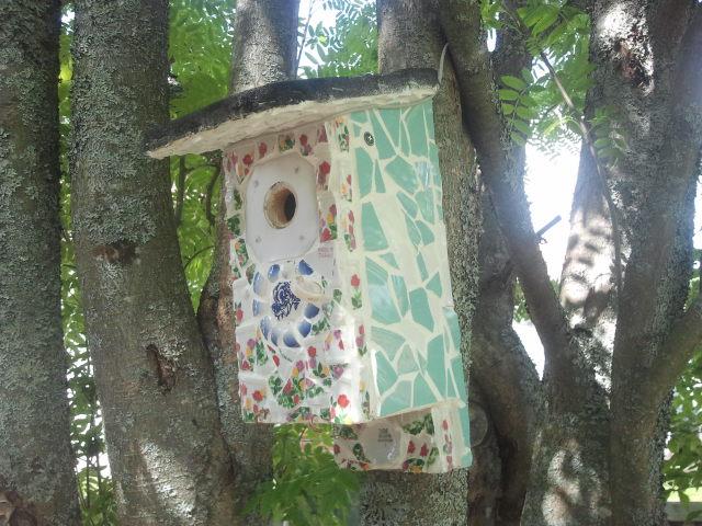 Ett sådant fint hem för fåglarna!