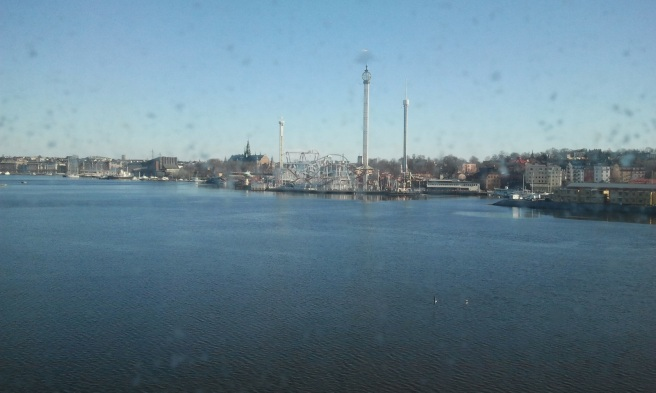 Tidigt på morgonen ligger Grace en dryg timme i Stockholm och där var det så här soligt på första maj. Kolla den nya attraktionen på Gröna Lund! Värsta största gunga, slänggungan Eclipse, dock inte i användning när fotot togs.