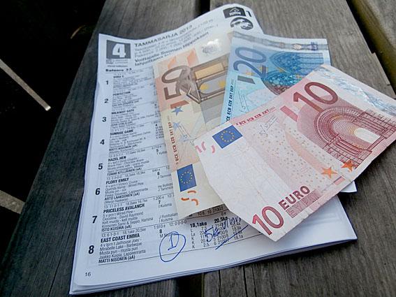 I går vann jag 84,20 euro. Satsade en femma på att en viss kuse skulle vinna och det gjorde den.
