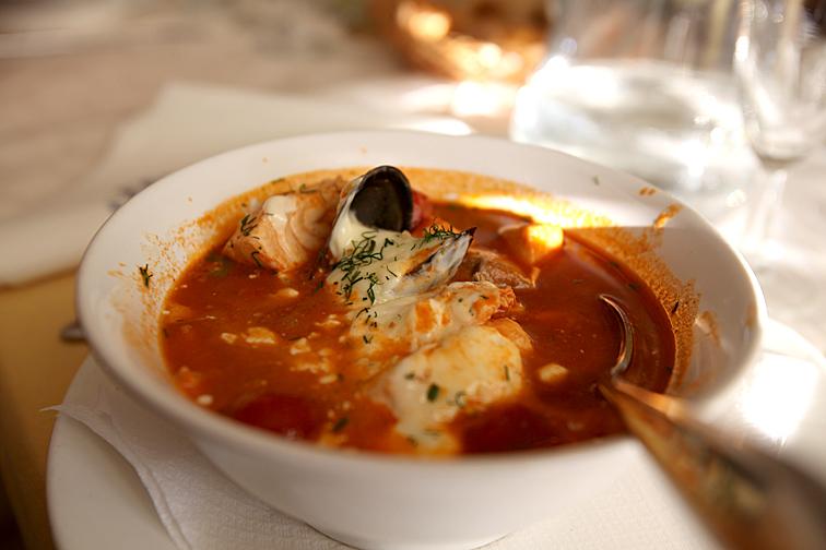 Svärmor och FasterAster åt bouillabaisse.