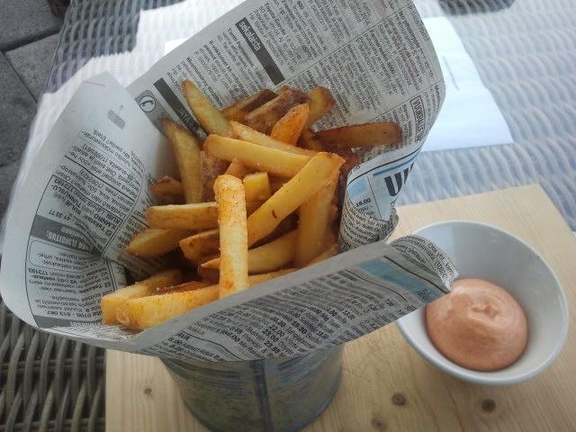 För att framkalla mer törst beställde vi in en portion potatis.