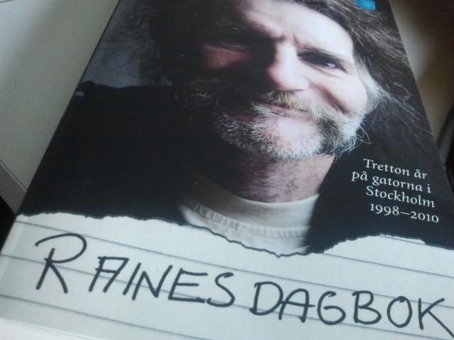 Har börjat läsa den här boken och den verkar fängslande.