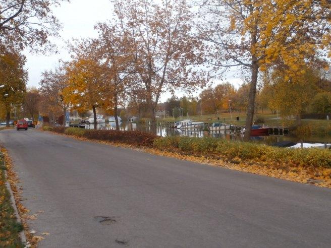 Tror jag har visat en bild på den här ån tidigare, men tycker den är så fin. Vy från Torshälla, som jag tycker har sina pittoreska platser.