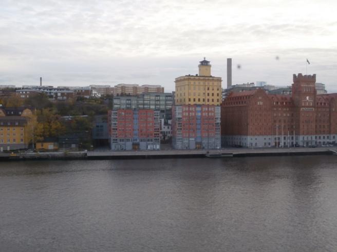 Om jag inte fick bo i Lovisa och om jag hade gränslöst med pengar skulle en bostad med utsikt över vattnet i Stockholm inte kännas helt fel :-)