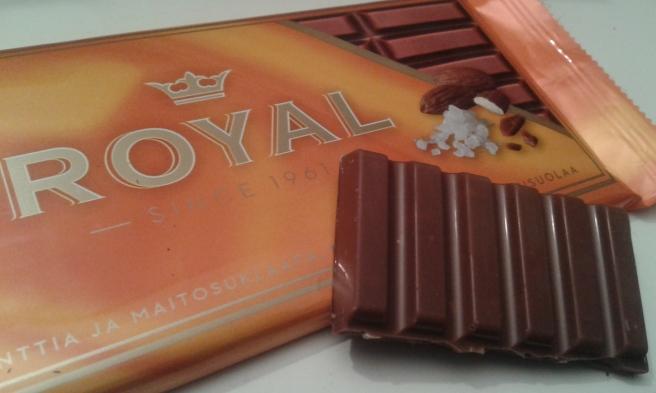 En ny sort i Cloettas Royal-familj. Mandelkrokant, mjölkchoklad och en nypa havssalt.
