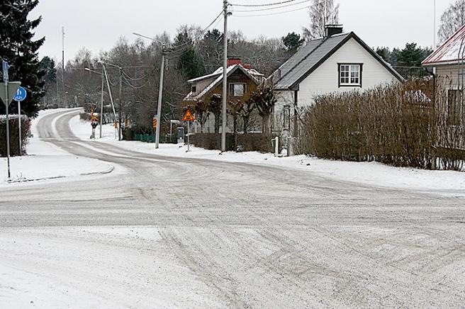 På väg från Södra åsen längs Antbyvägen mot Järnvägsgatan med ishallen som mål.