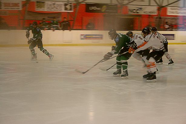 Loviisan Jääkiekkoklubis C-juniorer, där bland andra min systers son spelar, hade match mot Ilves. LJK vann 6-2.