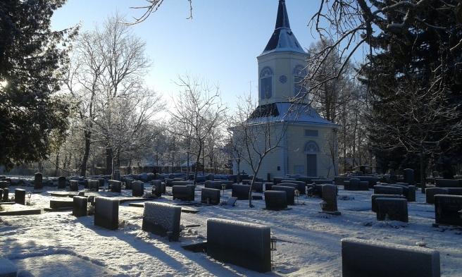 Kyrkogården och kapellet i Lappträsk.