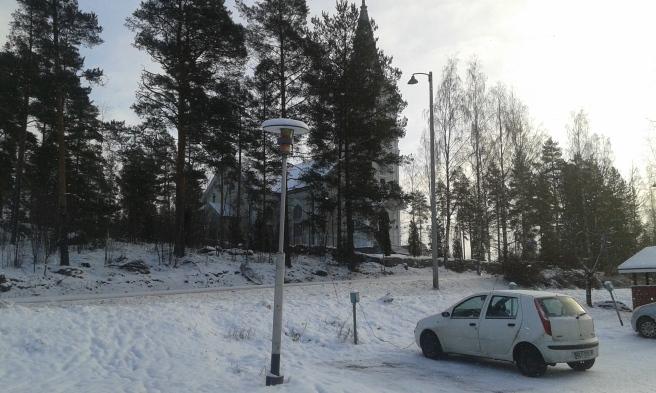 Liljendal kyrka i vinterskrud.