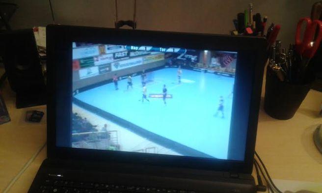 När jag kom hem från kvällsturen på jobbet började jag titta på Happee-Tor. Matchen visades på Happees sajt på webben.
