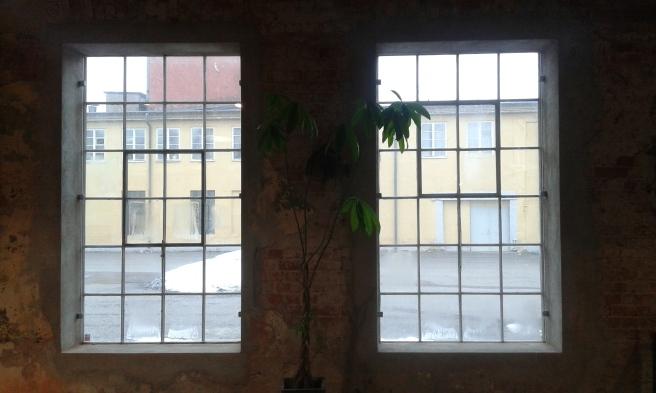 Man får väl sina favoriter då man gör en serie med fönster. De här gillade jag jättemycket. Finns i Hälleforsnäs i närheten av Eskilstuna.