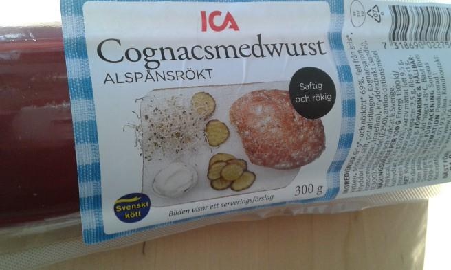 Lycka är... en smakrik korv på frukostmackan. Tack svärmor som hade med sig den från Sverige!