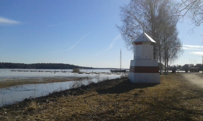Lovisaviken mot söder. I bakgrunden paketjakten Österstjernan.