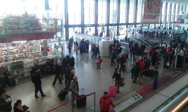 Tågstationen Termini. Hit anlände vi med expresståg från flygplatsen. Härifrån tog vi också metron till Colosseum.