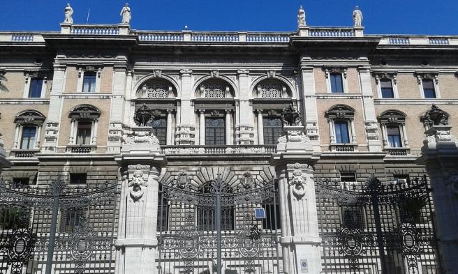 Ambasciatta degli Stati Uniti (Palazzo Margherita) sedd från Via Sallustiana.