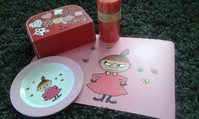 Jag gillar allt som har med Mumin att göra och fick bland annat de här sakerna av min syster och ett fint ljus av min mor.