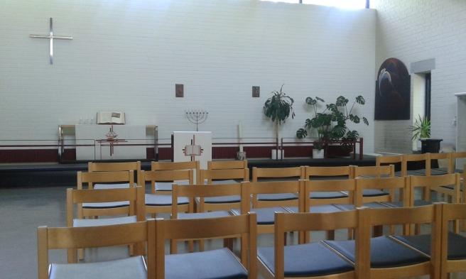 Satt här en liten stund och tog in den lugna atmosfären som kyrkor brukar bjuda på.