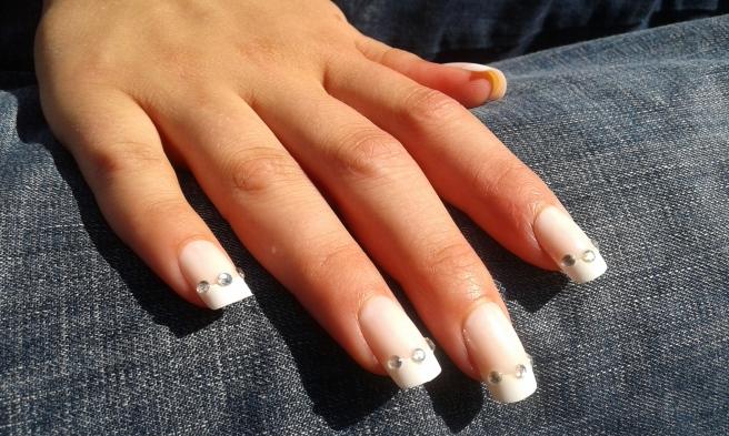 Svägerskans dotters naglar.
