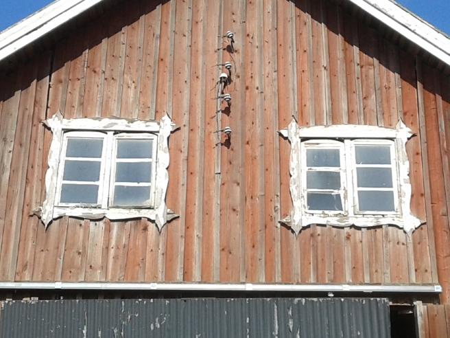De här fönstren satt rätt högt uppe på byggnaden. Var tvungen att zooma in dem.