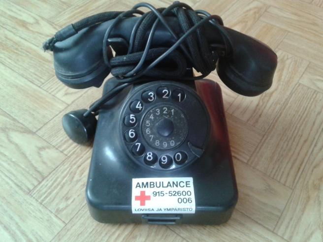 """Minns att min mormor hörde till den generationen som svarade enbart """"Hallå"""" i telefonen :-)"""