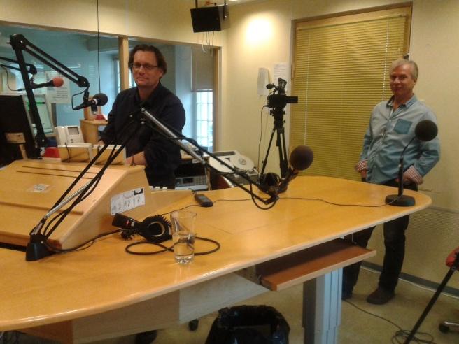 Mikael Kokkola intervjuade, Stefan Härus skötte kameran.