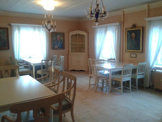 Det finns rum i olika stilar i Degerby Gille. Både stora och små och alla med separata namn.