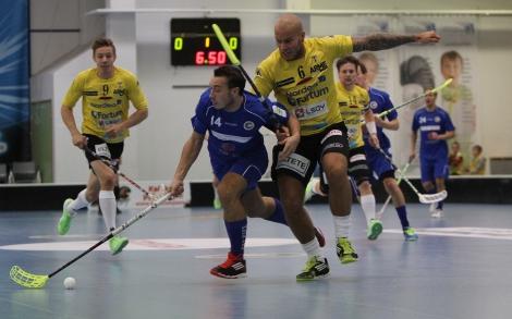 Dan Forsström, Deina Imjack och Peik Salminen är Torspelarna i gult från vänster till höger. Foto: Benny Liljendahl