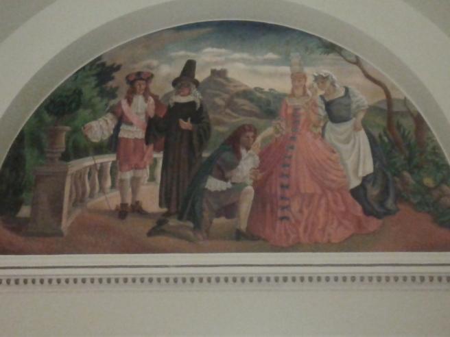 Och lite konst från väggarna i teaterbyggnaden.