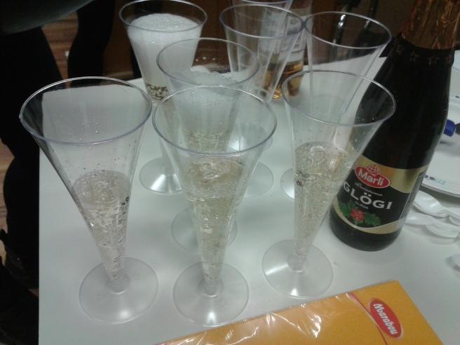 Gott med lite bubbel på fredagen på jobbet :-)