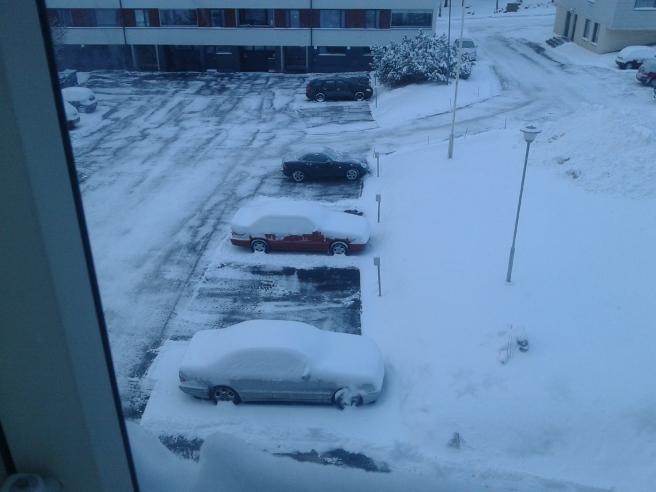 Min bil är den röda mitten.