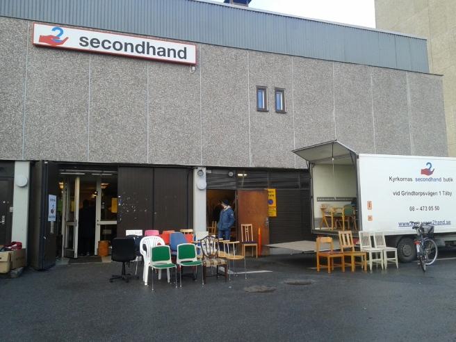 Här brukar det vara kö direkt då loppmarknaden öppnar klockan 10 på lördag.