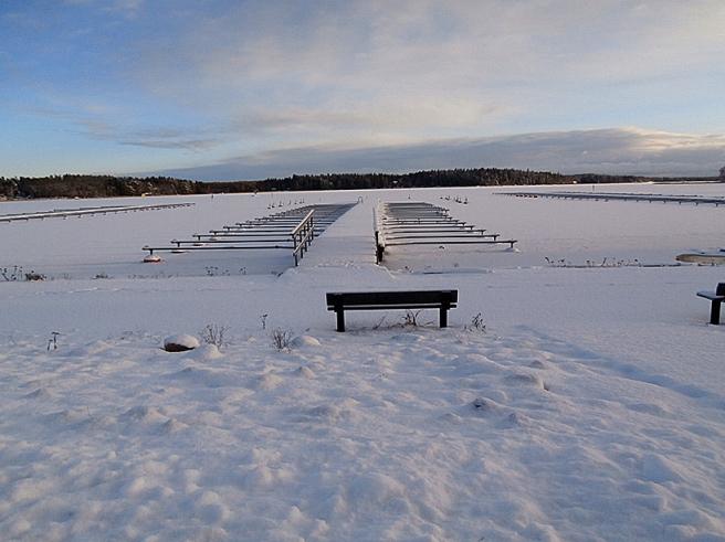 Än dröjer det innan båtarna läggs ut vid bryggorna på innersta Lovisaviken.