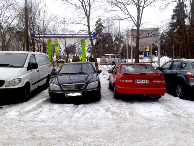 Här har vi parkerat på en mycket anonym P-plats 12 mil från Lovisa.