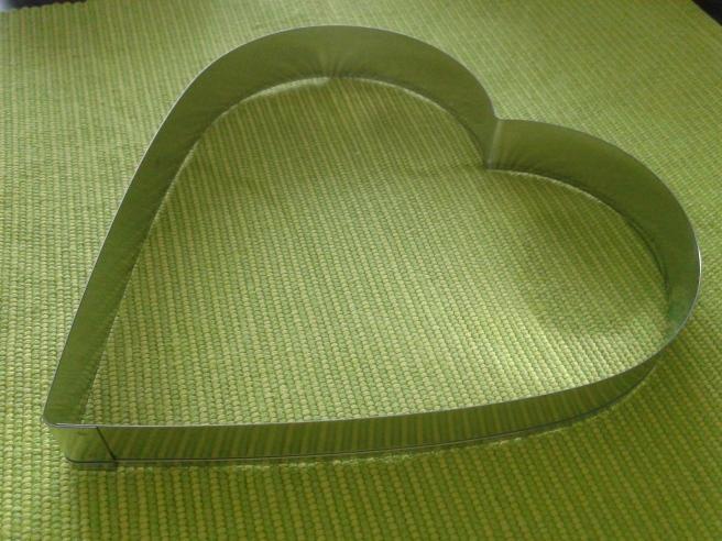 De flesta söker troligen kärlek på nätet. Men ett hjärta av stål vill väl ingen möta där.