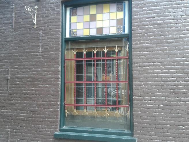Ett av många fönster jag såg i Amsterdam, nu minns jag inte längre exakt var det fanns :-)