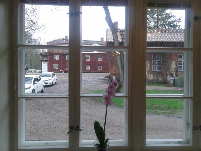 Utsikt från en familjs fönster i Strömfors bruk.