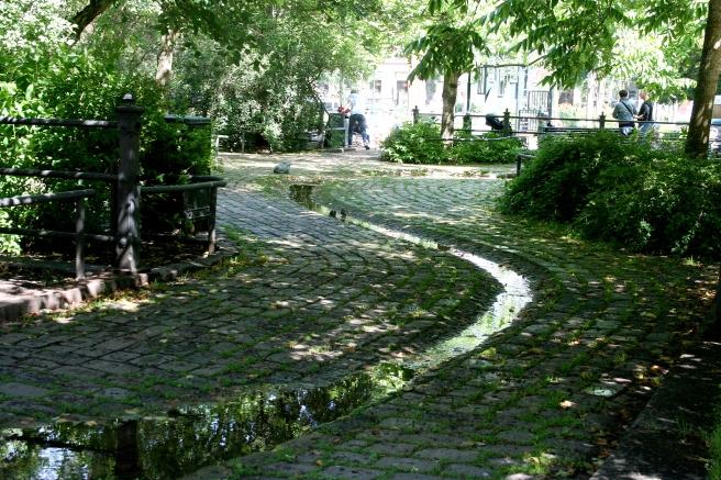 Det finns många pärlor på nära håll, i grannstäderna. Här Sibeliuksenpuisto i Kotka.