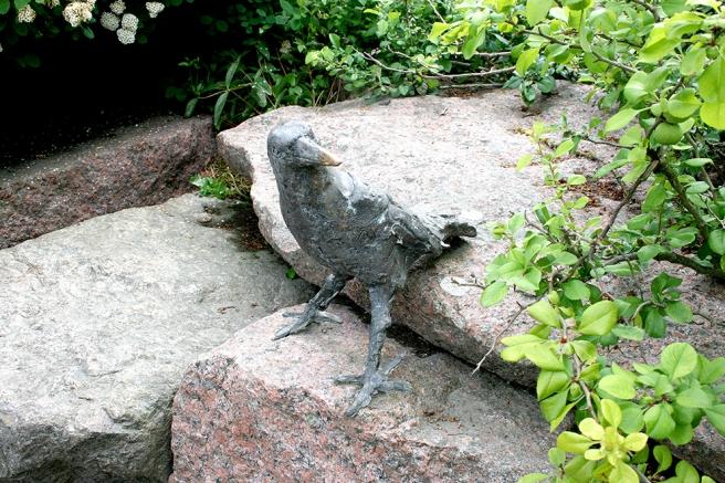 En av de många stenskulpturerna.