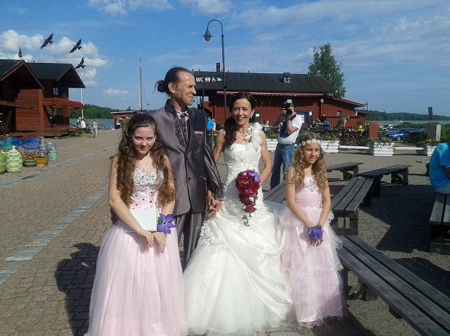 Jari Gröndahl och Ulla Hakanen, årets rosenbröllopspar i Lovisa.