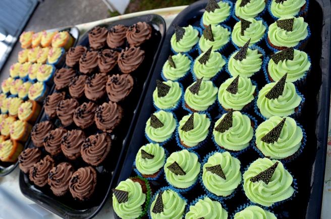 På en av gårdarna såldes delikata muffins och små läckra chokladbitar som smalt i munnen.