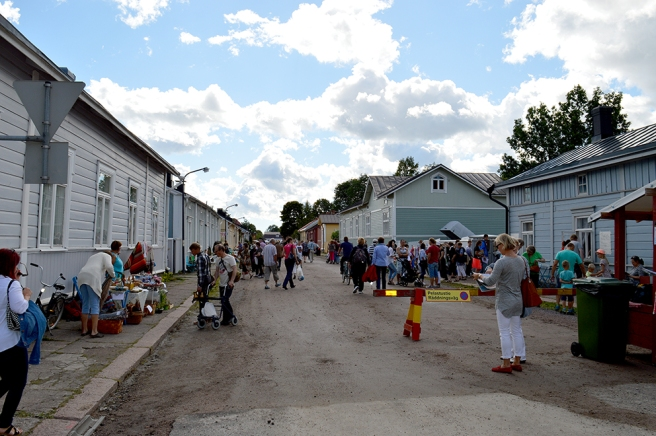 Många människor i Lovisa :-)
