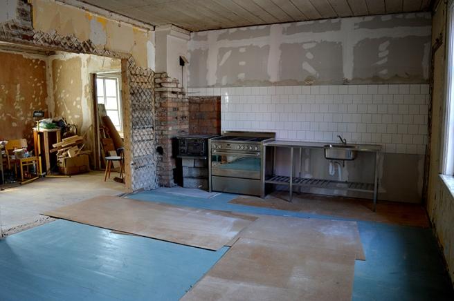 Men riktigt allt är inte halvfärdigt i huset. Inte klart heller men här ser man att projektet avancerar.