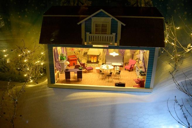 En miniatyr av huset där familjen Tummetott bodde i filmen Ada och Glada, som har spelats in i Lovisa.